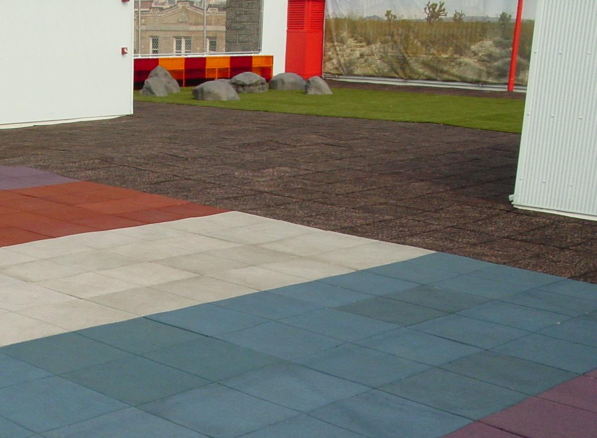 UNITYS Turf-Top Tiles on top of School Rooftop for Playground Use